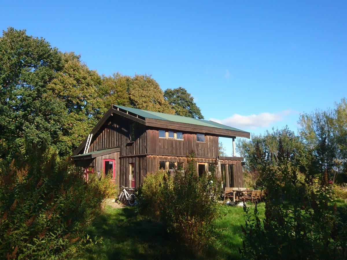 Himmerlandsbyen 7, træhus beklædt med lokalt lærketræ